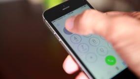 Wählender 911 Nottelefon-Anruf stock video