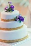 Während Hochzeitstorte Lizenzfreies Stockbild