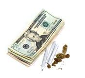 Währung und medizinischer Topf Lizenzfreie Stockfotos