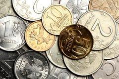 Währungshintergrund von den russischen Münzen Stockbild