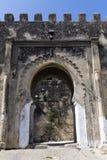 Wälle und alter Eingang zu Casbah, Tanger stockfoto