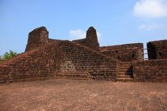 Wände von Bekal-Fort lizenzfreie stockfotografie