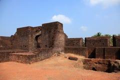 Wände von Bekal-Fort lizenzfreies stockbild