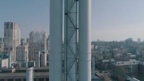 Wärmerohr über der Stadt stock video footage