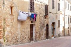 Wäscherei auf einem Seil lizenzfreie stockfotografie