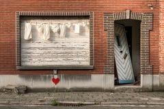 Wäscherei und verlassenes Haus Stockfotografie
