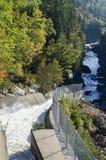 Wässern Sie das Fließen in Ripogenous-Schlucht Stockfotografie