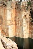 Wässern Sie im Marmorsteinbruch nahe Borba, Portugal Lizenzfreie Stockfotografie