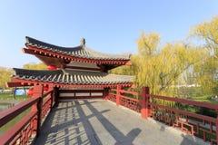 Wässern Sie Pavillon von datang furong Garten im Winter, luftgetrockneter Ziegelstein rgb Stockbilder