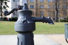 Wässern Sie pumpin in einem Stadtpark - Detail lizenzfreie stockbilder