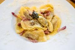 Włoska kuchnia - Casoncelli alla bergamasca zdjęcie royalty free