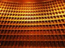 Wśrodku Światowej Wysokiej Brązowej statuy Buddha obrazy royalty free