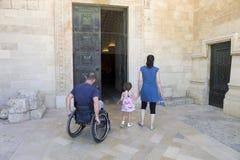 Wózek inwalidzki Kościół Obrazy Royalty Free