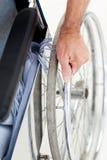 wózek inwalidzki obsługuje wózek inwalidzki Fotografia Royalty Free