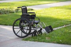 Wózek inwalidzki w parku Zdjęcia Stock