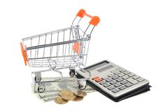 Wózek na zakupy, pieniądze i kalkulator odizolowywający, Obraz Stock