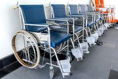 Wózka inwalidzkiego dostępny Wykładający up w szpitalu Zdjęcia Stock