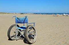 wózki inwalidzcy dla ludzi z ruchliwość problemami fotografia royalty free