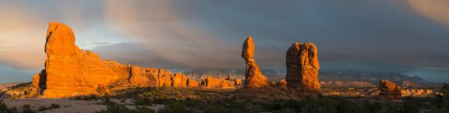 Wölbt Nationalpark nach Frühlings-Sturm in Ost- Mittel-Utah stockbild