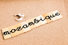 Wörter auf Sand Mosambik Stockbilder