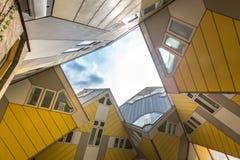 Würfel bringt Rotterdam die Niederlande unter Lizenzfreie Stockfotografie