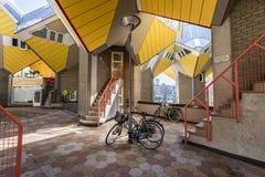 Würfel bringt Rotterdam-Fahrrad unter Lizenzfreies Stockbild