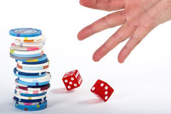 Würfel-und Kasino-Chips Lizenzfreie Stockfotos