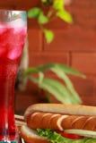Würstchen und Getränke rot Lizenzfreies Stockfoto