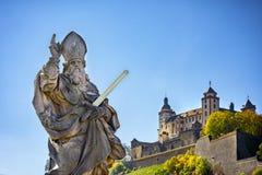 Würzburg, Ansicht mit vineyrds und Schloss Authentische schöne Städte von Deutschland Nordbayern, Deutschland lizenzfreies stockfoto