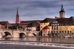 Würzburg Riverfrontage lizenzfreie stockbilder