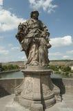 Würzburg Tyskland - gammal huvudsaklig brostaty av ett helgon Royaltyfri Fotografi