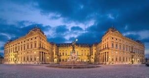Würzburg-Wohnsitzpalast an der Dämmerung stock video footage