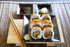 Würzige Thunfischrollensushi lizenzfreies stockbild