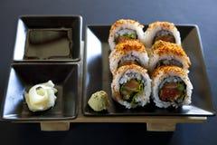 Würzige Thunfischrollensushi lizenzfreies stockfoto