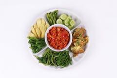 Würziger Fleisch- und Tomatenbadanruf Nam Prik Ong Lizenzfreie Stockfotos