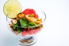 Würziger Hummer-und Pampelmusen-Salat Stockfotos