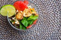 Würziger Hummer-und Pampelmusen-Salat Lizenzfreie Stockfotos