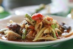 Würziger Papayasalat mit Krebsfleisch in der thailändischen Art Lizenzfreies Stockfoto