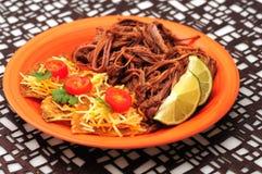 Würziges Rindfleisch Abendessen und Nachos Stockfoto
