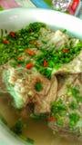 Würziges Schweinefleisch gekochter Spinat Lizenzfreie Stockfotos