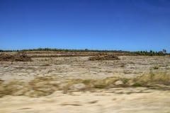 Wüste mit blauem Himmel Lizenzfreie Stockfotos