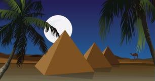 Wüste mit Pyramide Stockbild