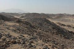 Wüste mit Steinen Stockbilder