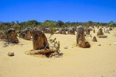 Wüste und Felsen mit blauem Himmel Stockbild