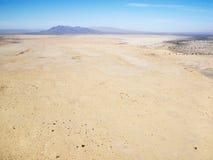 Wüste und Gebirgszug Stockbild