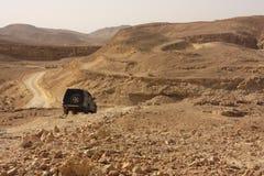Wüste weg von der Autoreise stockfoto