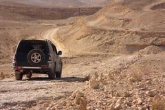 Wüste weg von der Autoreise stockfotografie