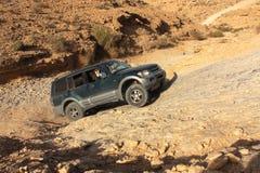 Wüste weg von der Autoreise stockbild