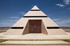Wüsten-Pyramide Stockfotografie