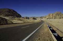 Wüsten-Straße Lizenzfreie Stockbilder